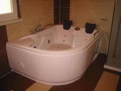 ich mag gro e badewannen weil man dort s members. Black Bedroom Furniture Sets. Home Design Ideas