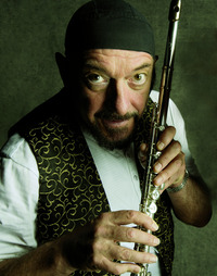 Ian Anderson`s Jethro Tull Thick As A Brick